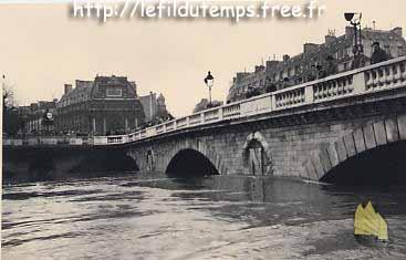 El París de Napoleón III - Página 4 Pont_st_michel_1955